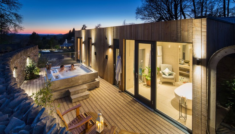 Gilpin-Spa-Lodge-hot-tub-at-sunset-crop-1