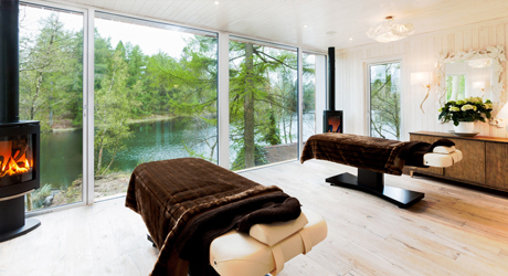 Staying-at-Lake-House-Jetty-Spa
